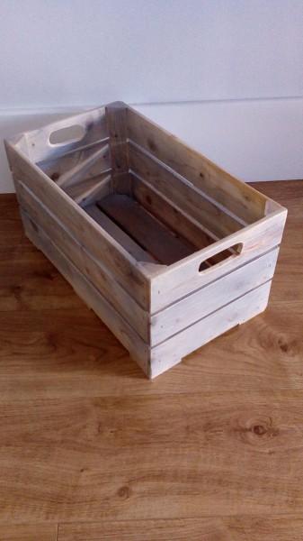Caja de madera antigua 47x27x23 vintage blanca for Cajas de madera blancas